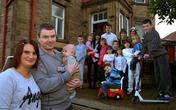 Sốc vì bà mẹ 16 con nước Anh lại có bầu