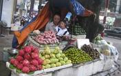 Cô gái 'thể thao vàng' bán hoa quả nuôi con gái nhỏ