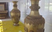 Hai bình hoa bằng vàng giả lọt vào Bảo tàng Cổ vật Huế?