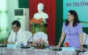 Bộ trưởng Nguyễn Thị Kim Tiến thăm trường Đại học Kỹ thuật Y – Dược Đà Nẵng