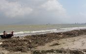 Rác tràn ngập bờ biển Đà Nẵng