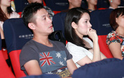 Vợ MC Anh Tuấn bất ngờ xuất hiện ở buổi ra mắt phim