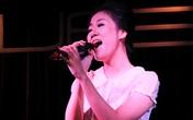 Văn Mai Hương khóc thương Wanbi Tuấn Anh trên sân khấu
