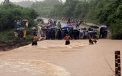 350 người tìm kiếm 5 nạn nhân bị lũ cuốn trong biển nước