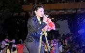 Nhật Kim Anh bất ngờ té xỉu trên sân khấu