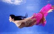 Danh hài Thúy Nga hóa thiên thần dưới nước