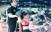Hotgirl ChiPu khoe eo con kiến trong phòng tập gym