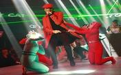 Chồng Tây của Mai Khôi hát rap trong liveshow của vợ