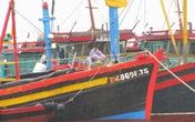 Nghệ An: Hai tàu cá bị chìm, 1 người mất tích