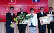 Lãnh đạo Bộ Y tế nhận Huân chương Isala cao quý