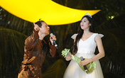 Quang Thắng làm á hậu Tú Anh đỏ mặt trên sân khấu