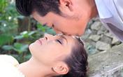 Tuấn Hiệp vã mồ hôi khi hôn Ngọc Liên trước mặt ông xã của cô trong MV mới