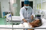 Cứu sống ông lão 71 tuổi bị đâm thủng tim