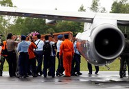 Ngày thứ 4 tìm kiếm máy bay AirAsia: Tìm được tất cả 7 thi thể, máy bay mất tích nằm dưới đáy biển