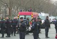 Nghi phạm tấn công tòa soạn báo ở Paris bị tiêu diệt, hai tên bị bắt