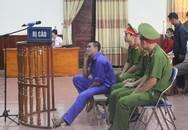 Dân đổ xô đi xem xử án kẻ thảm sát 4 người trong một gia đình ở Nghệ An