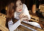 """""""Hot girl Ngoại thương"""" giản dị mà hút hồn với áo dài trắng"""