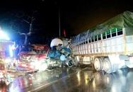 2 xe tải đối đầu, tài xế thoát chết trong gang tấc