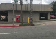 Một người đàn ông tại Mỹ bị mắc kẹt trong máy ATM