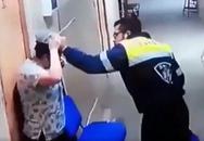 Nữ y tá mang thai bị nam nhân viên y tế đạp vào bụng