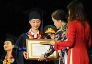 25 thủ khoa xuất sắc được Hà Nội đặc cách vào thẳng công chức