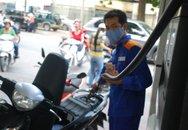 Giá xăng tăng mạnh vượt mức 17.000 đồng/lít