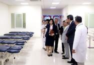 Trường ĐH Y tế Công cộng được trao tặng trang thiết bị phục hồi chức năng