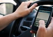 Chuyên gia tiết lộ gây sốc lý do vì sao bạn không nên sử dụng điện thoại khi đang đi xe ô tô
