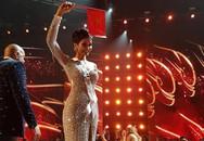 Hành động đầu tiên của H'hen Niê sau khi lọt Top 5 Hoa hậu Hoàn Vũ khiến fan thêm yêu mến