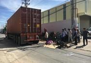 Con gái bị xe container cán tử vong thương tâm, người mẹ ôm thi thể gào khóc thảm thiết