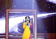 'Thiên thần Bolero' Quỳnh Trang hát quên lời vẫn vào top 4 Bolero