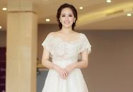 Mai Phương Thuý mặc lộng lẫy đi xem thí sinh Hoa hậu Hoàn vũ VN tập luyện
