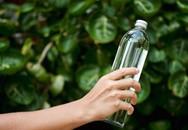 Chai thủy tinh, chai nhựa hay chai làm từ kim loại, loại chai nào sử dụng tốt nhất cho sức khỏe của bạn?
