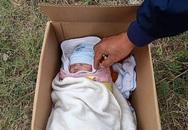 Hà Nội: Phát hiện bé sơ sinh đặt trong thùng mỳ tôm ở vệ đường kèm bức thư ngắn ngủi