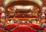 Diễn tập trong nhà hát cổ, nghệ sĩ piano phát hiện chi tiết đáng sợ trong bức ảnh chụp trước khi khám phá ra loạt lời đồn về nơi này