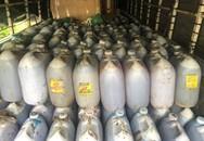 Phát hiện hơn 300 lít dầu ăn bẩn đang trên đường đi tiêu thụ