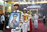 Xúc động tiễn đưa anh hùng phi công Nguyễn Văn Bảy về quê nhà