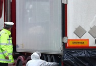 Khoảnh khắc tài xế mở container có thi thể 39 nạn nhân Việt