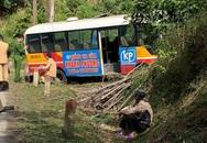 Xe bus mất phanh đâm vào taluy, 6 người bị thương ở Bắc Kạn