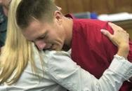 Say xỉn vẫn đòi lái xe, người đàn ông gây tai nạn giết chết 2 cô gái, 2 năm sau, mẹ của nạn nhân khiến tên tội phạm bật khóc tại tòa