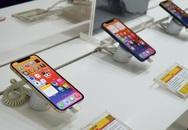 """iPhone 12 Pro Max """"cháy hàng"""" ở Việt Nam, bị dân buôn thổi giá cao"""