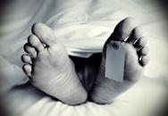 Một phụ nữ chết nhiều ngày nhưng người sống cùng gan lì không khai báo