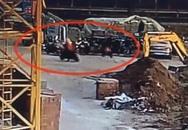 Không biết lái xe điện kiểu mới, kẻ trộm dắt bộ gần chục cây số