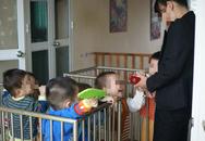 Đẩy mạnh chăm sóc trẻ nhiễm và ảnh hưởng bởi HIV/AIDS tại cộng đồng