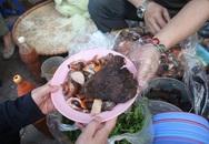 Món nộm vỉa hè có tên độc nhất Hà Nội, công thức được mua bằng cả cây vàng