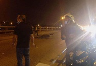 Hà Nội: Dắt con đi bộ trên cầu Thanh Trì, bà mẹ bị xe máy tông tử vong