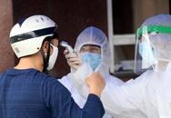Bệnh viện Bạch Mai kiểm soát nghiêm ngặt người ra vào