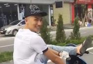 Nam thanh niên Hải Dương điều khiển xe máy bằng chân bị xử phạt
