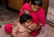 8 tháng tuổi đã gần 20kg, cuộc sống của bé gái nặng ký nhất Ấn Độ hiện tại như thế nào sau 3 năm phát triển với tốc độ chóng mặt?