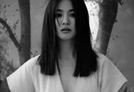 Hậu ly hôn Song Joong Ki, Song Hye Kyo ngày càng bạo khi khoe vòng 1 hờ hững và đầy quyến rũ
